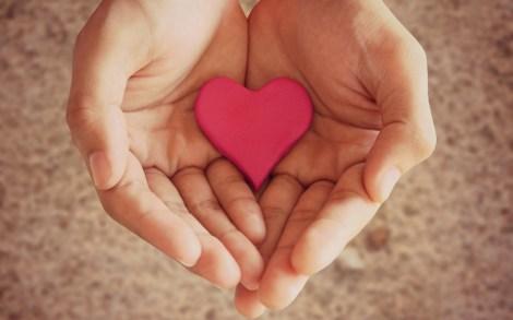 6929801-mood-hands-girl-heart-pink-love