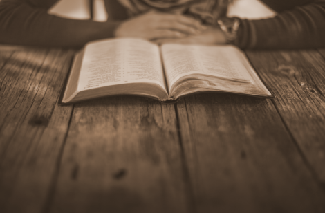 bible-on-table-1600-1024x672
