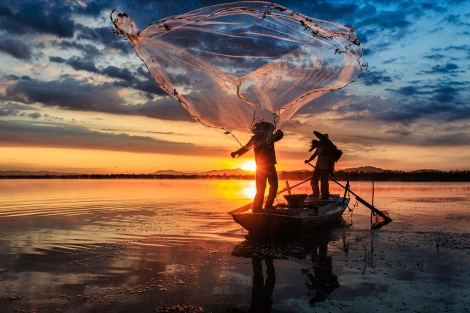 Fishing-with-nets-1