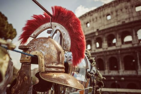 roman-centurion-soldier-helmets-and-the-coliseum-168859900-589a2ae33df78caebc4f3932